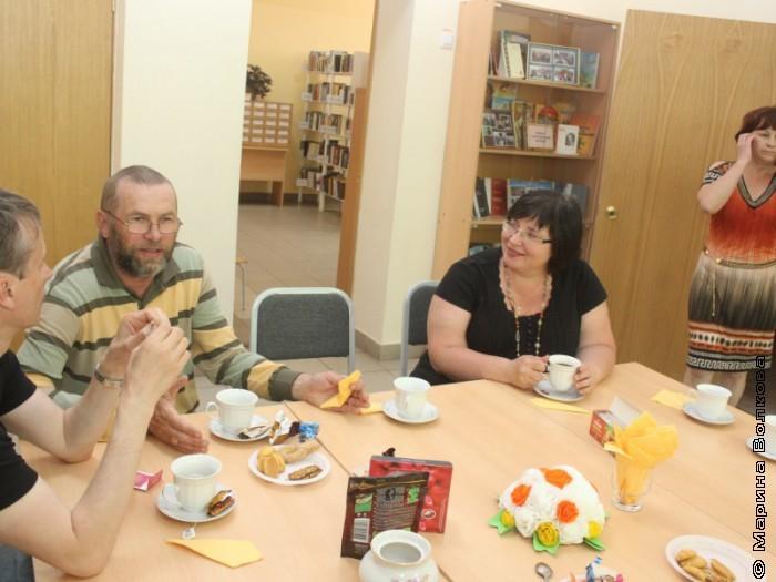 Участники автопробега в библиотеке имени С.В.Михалкова, Магнитогорск