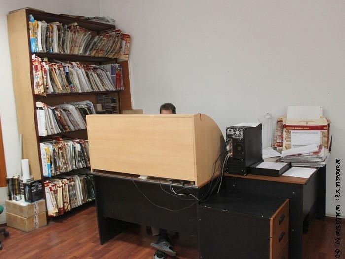 В шкафу - маршрутные листы для типографии