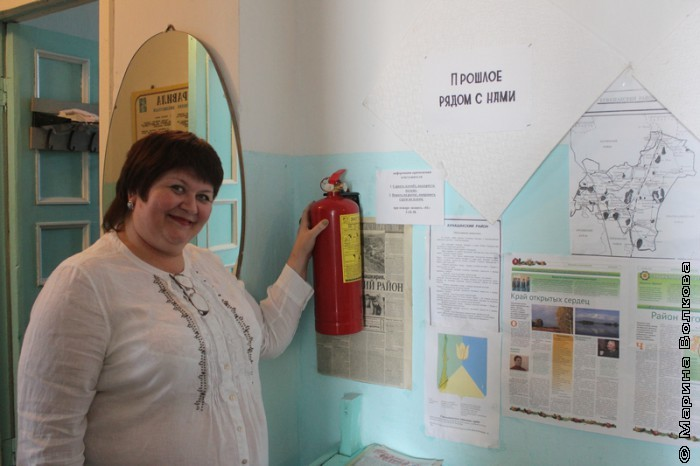 Елена Сыч в усть-багарякской библиотеке