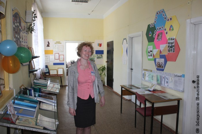 Людмила Петровна Швец в музее библиотеки