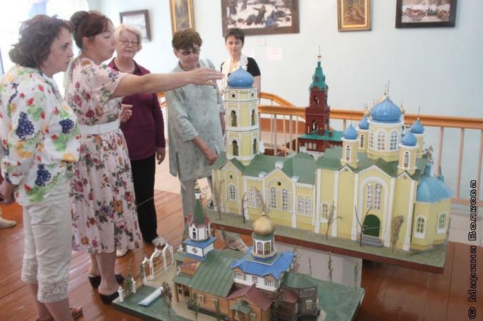 Валентина Ефанова рассказывает нам о храмах Верхнеуральска
