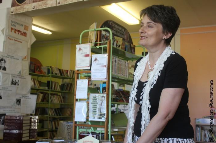 Ирина Аргутина в библиотеке Сыртинского