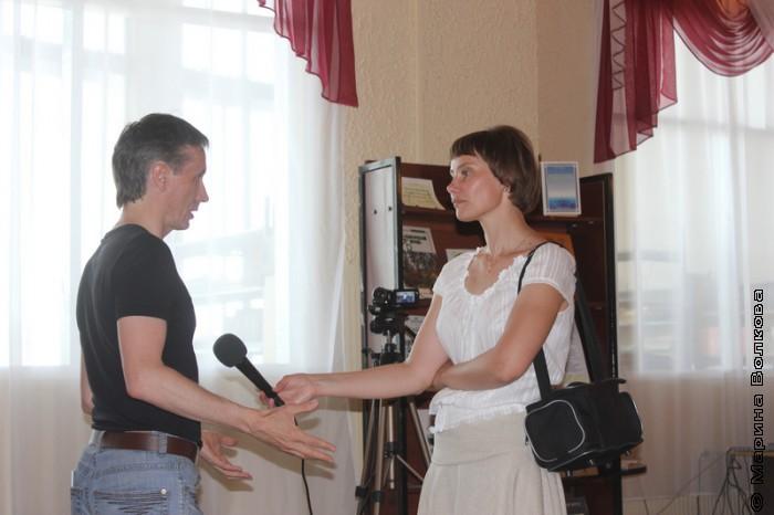 У Михаила Придворова берут интервью