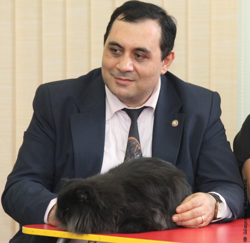 Карен Даллакян и кот Бегемот