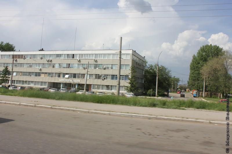 город из окна автомобиля