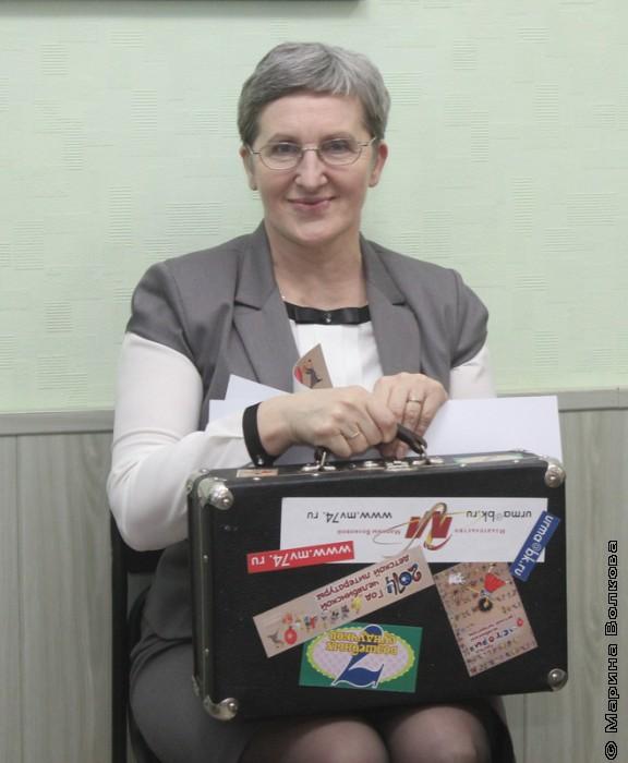 Тамара Лебедева с книжным чемоданчиком