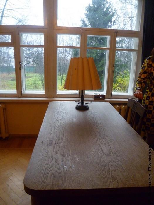 За этим столом написан роман Доктор Живаго