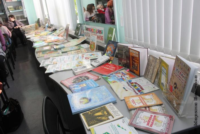 Выставка книг челябинских детских писателей