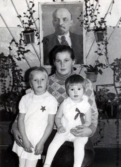 Валентина Николаевна с дочерьми