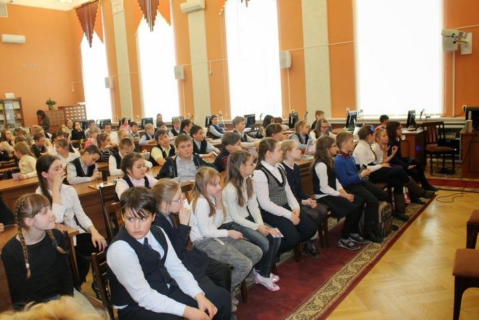 Дети из 67 школы, 153 школы, 10 гимназии