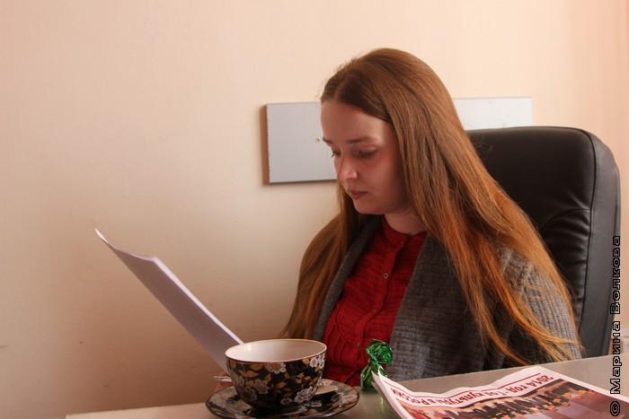 Елена Ионова читает стихи