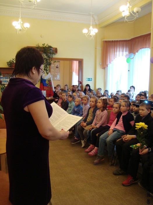 Суханова Елена читает рассказ Туричина И. Защитники