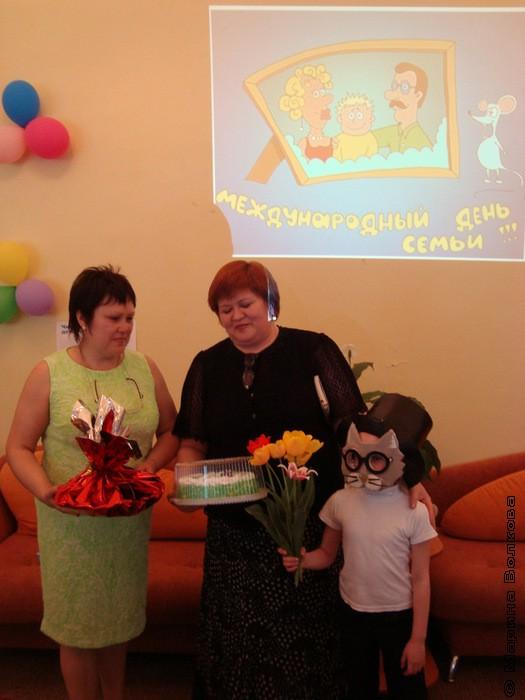детский писатель г.Челябинска, мама двоих сыновей, бабушка  Сыч Елена Кашвиловна