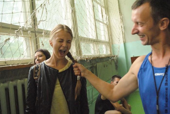 Оля Лукьянова разрешила дёрнуть за косичку