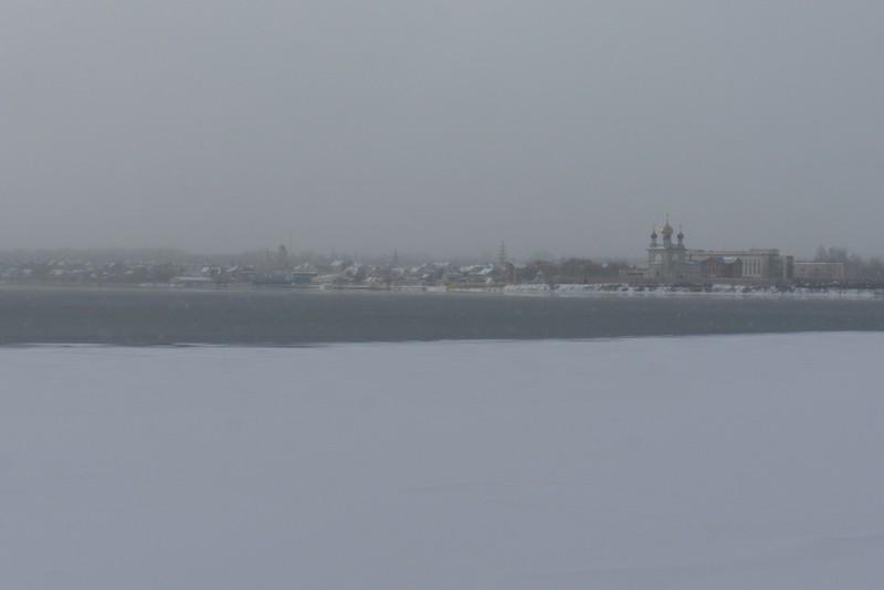 Озеро Смолино затягивается льдом