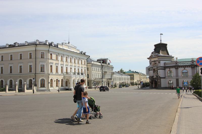 Площадь перед Кремлем