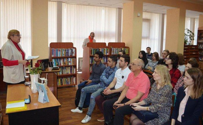 «Жестикуляция» в областной библиотеке для молодежи
