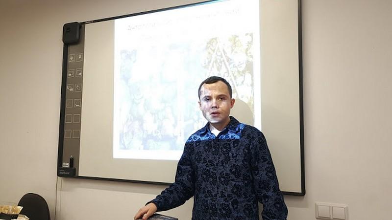 Борис Кутенков в Доме учителя Екатеринбурга